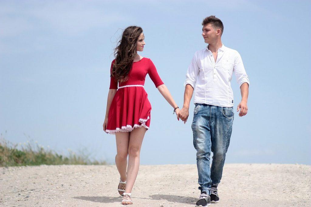 couple-1502618_1280 (1)