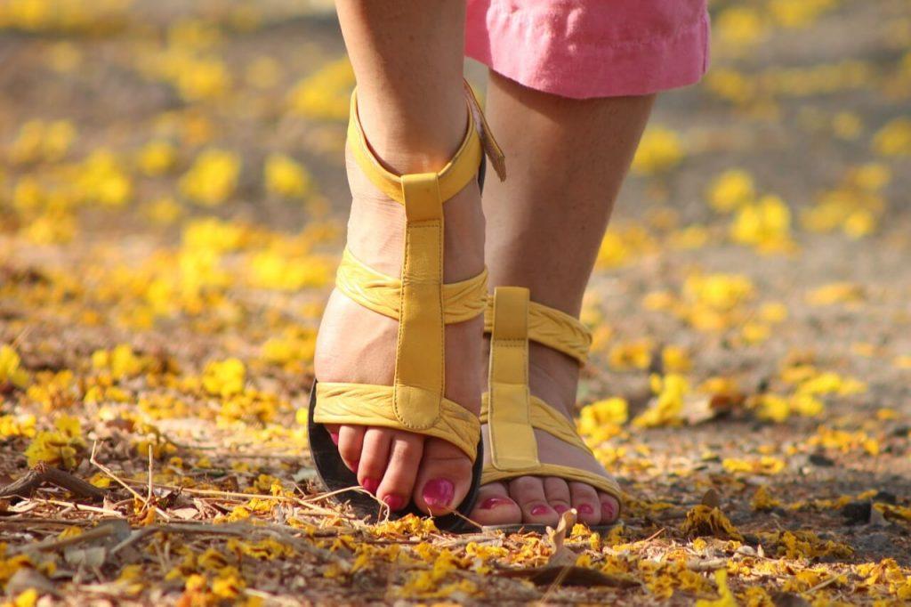 feet-538245_1280 (2) (1)